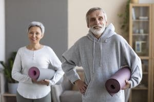 couple-yoga-agé